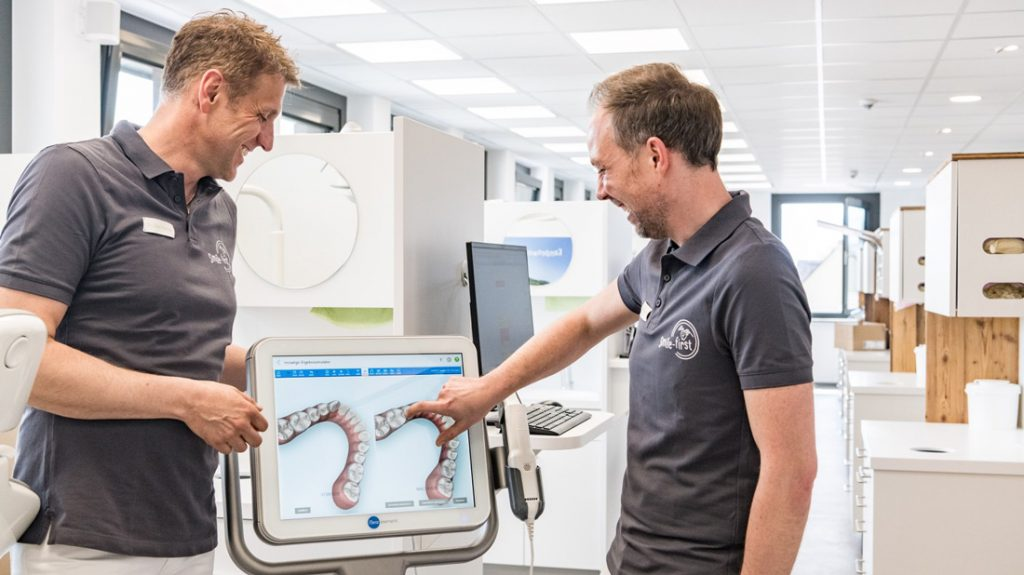 Smile-first Praxis Miesbach Ergebnissimulator Invisalign
