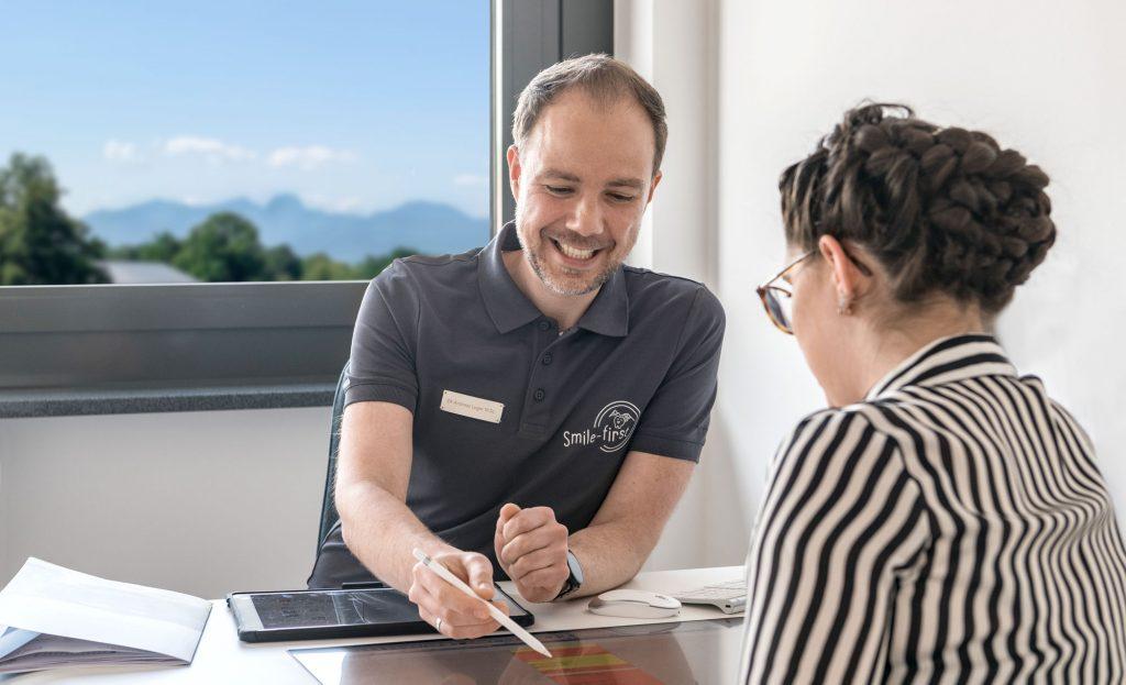 Erstberatung Besprechung bei Smile-first in Miesbach